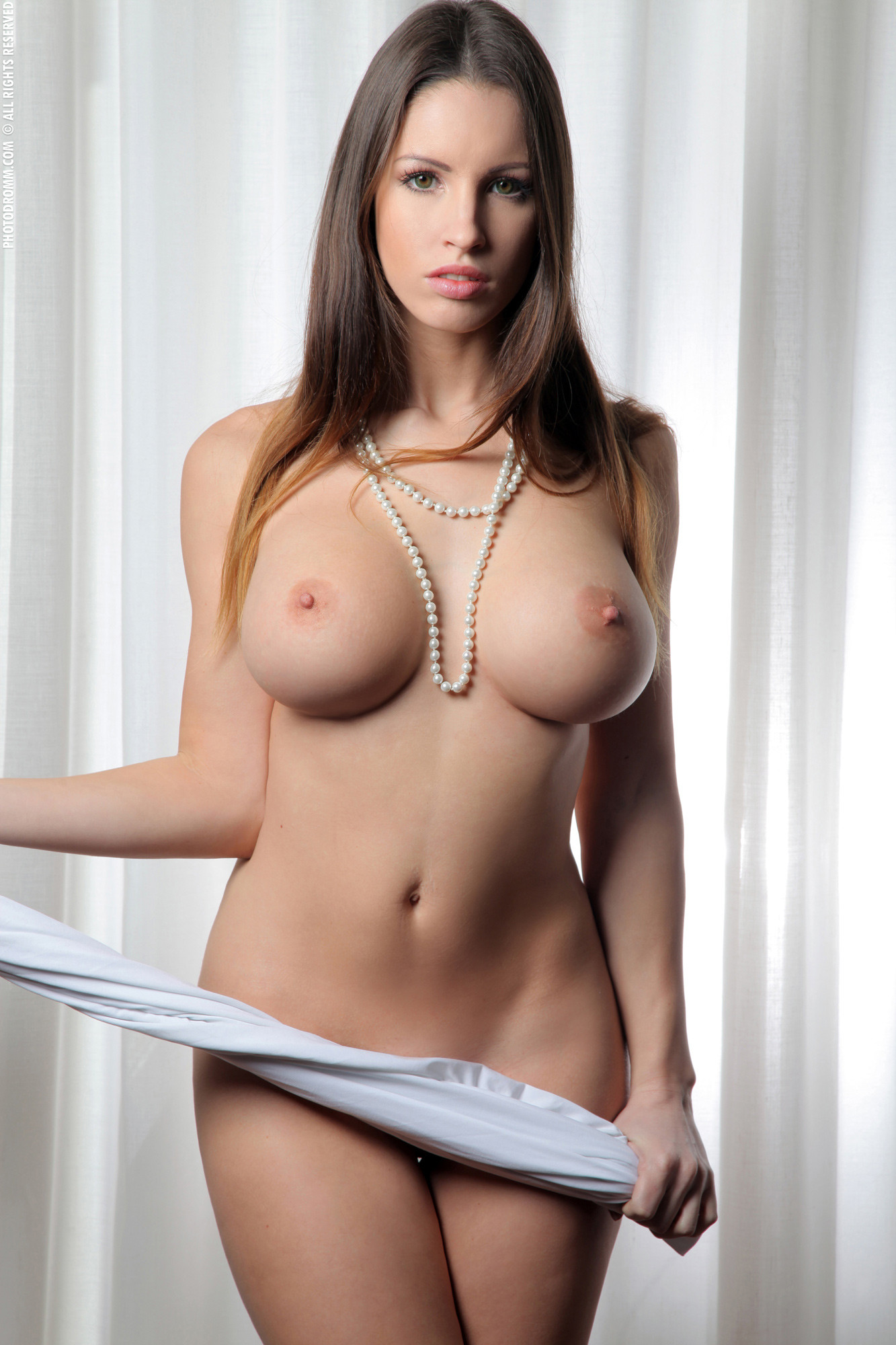 Девушки красивые сиськи голые