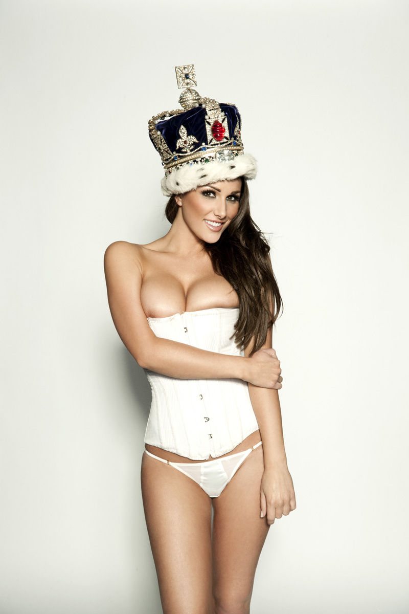 lucy-pinder-nuts-magazine-queen-of-boobs-01