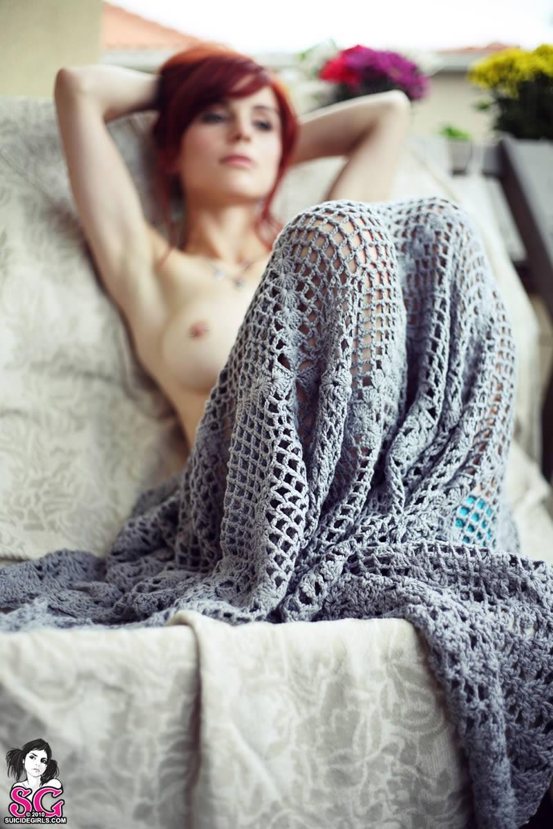 lumo-redhead-nude-blue-socks-suicide-girls-24