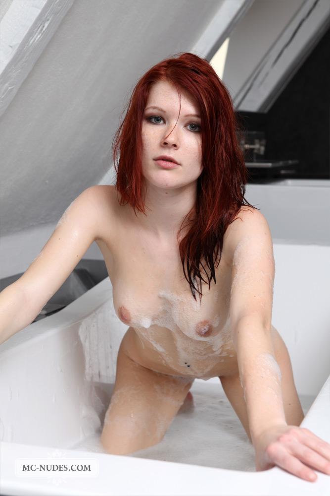 lynette-bath-mc-nudes-13
