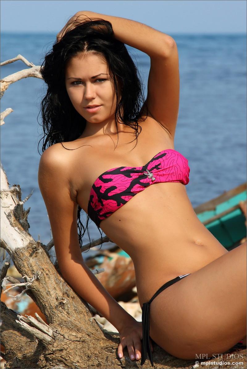 kara-bikini-mplstudios-01
