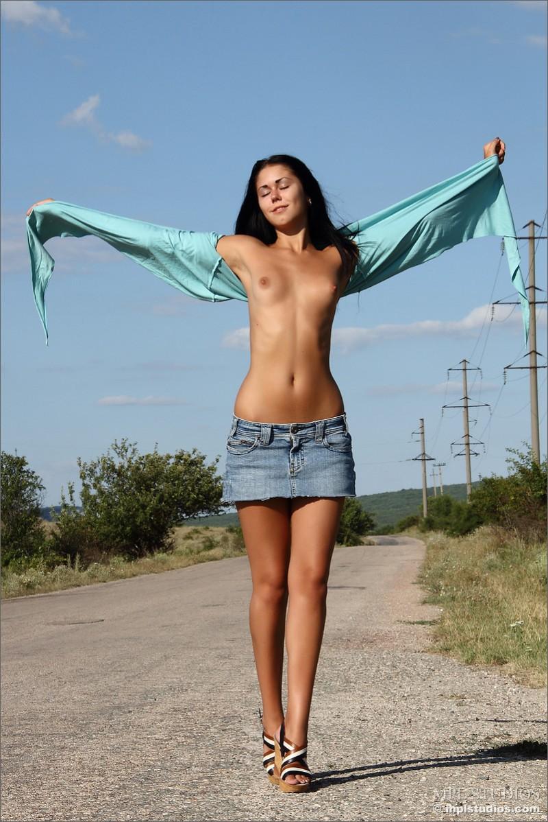 kara-naked-on-road-mplstudios-03