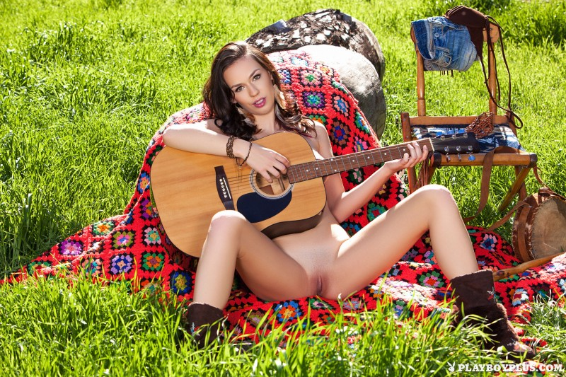 madi-meadows-jeans-shorts-guitar-playboy-14