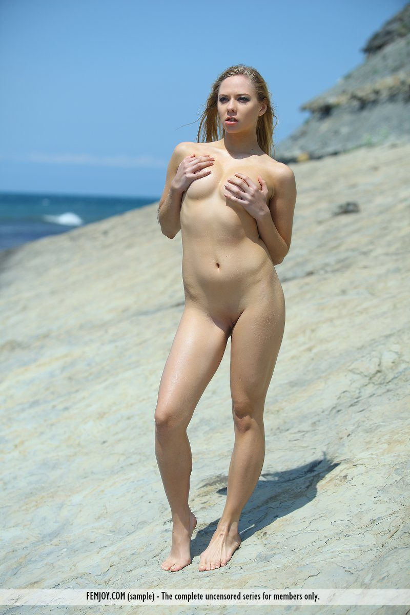 bally-d-red-bikini-seaside-femjoy-04