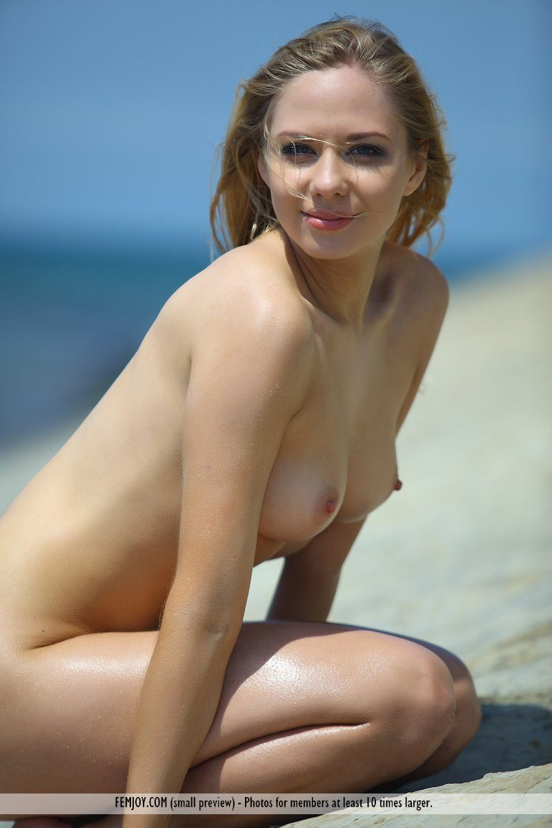 bally-d-red-bikini-seaside-femjoy-07