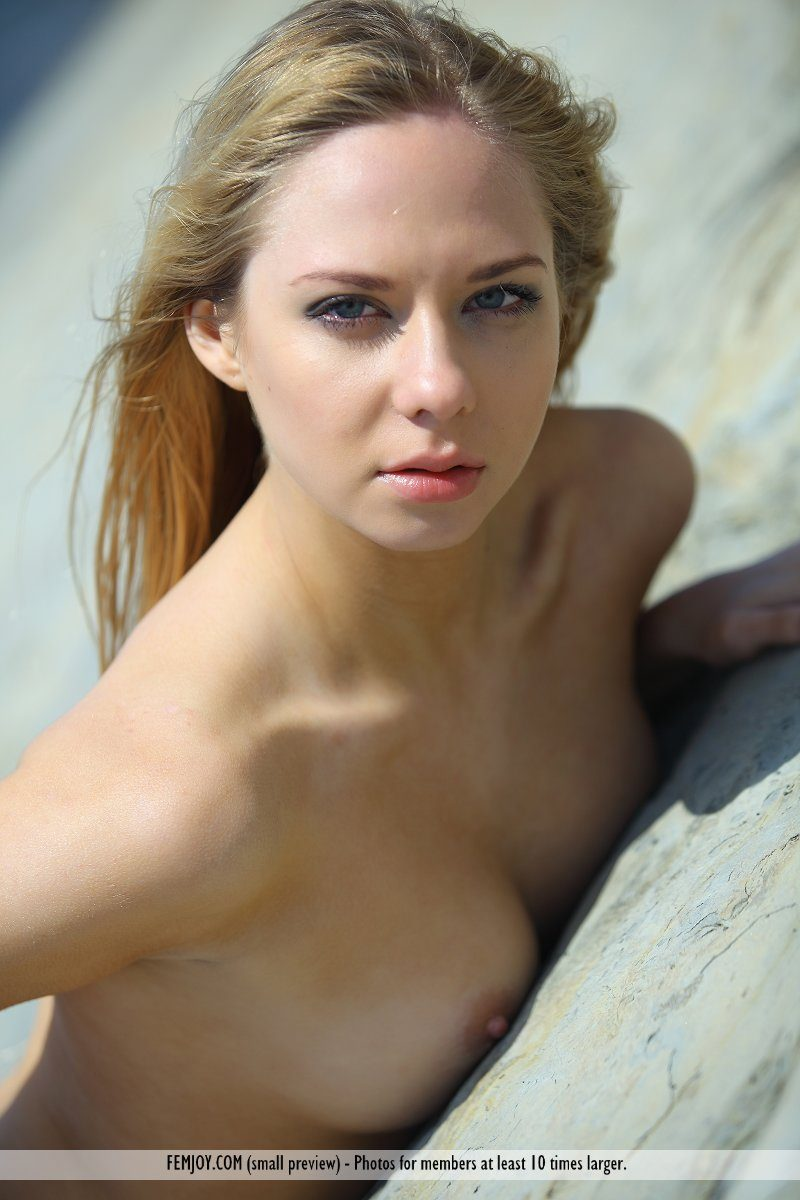 bally-d-red-bikini-seaside-femjoy-13