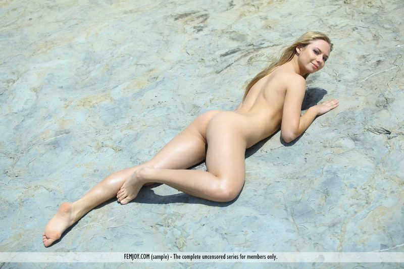 bally-d-red-bikini-seaside-femjoy-16