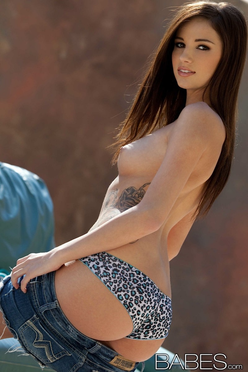 madison-morgan-jeans-shorts-babes-12