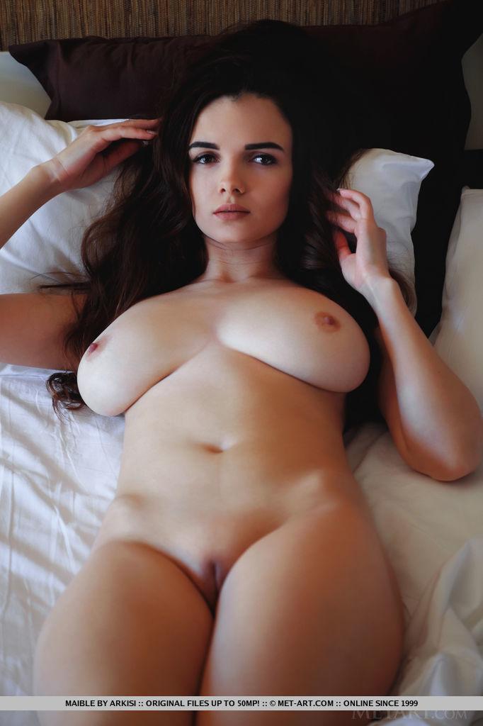 maible-big-boobs-nude-nighty-bed-metart-07