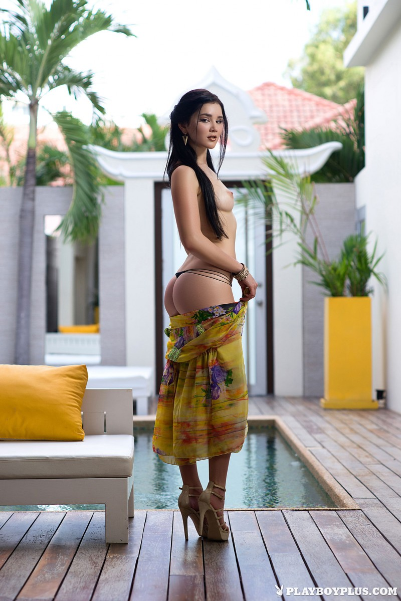 malena-poolside-nude-high-heels-playboy-06