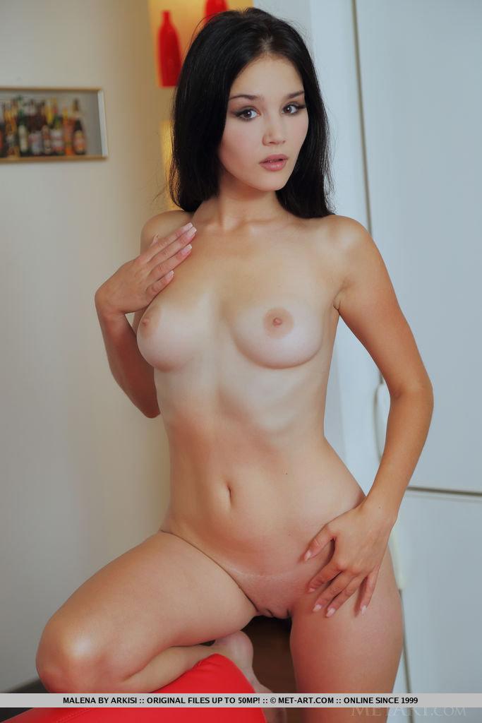 malena-nude-red-sofa-metart-04