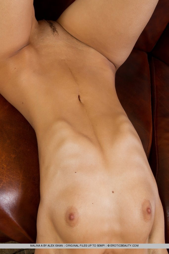 malina-a-naked-leather-sofa-erotic-beauty-10