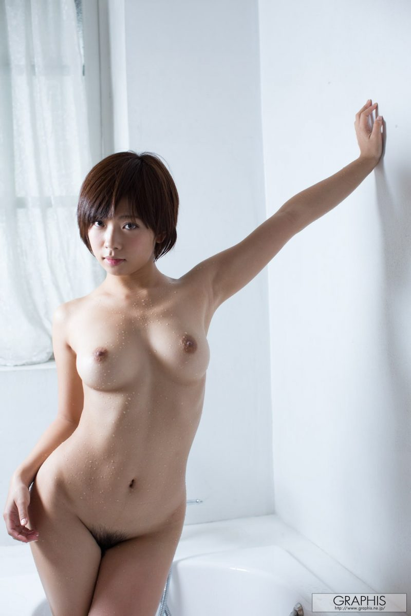 mana-sakura-sport-nude-shower-graphis-25