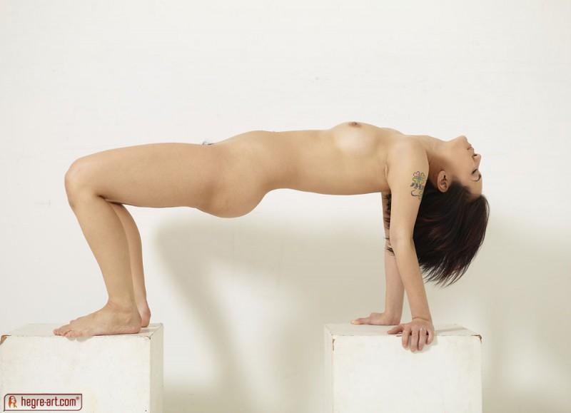 maria-ozawa-two-boxes-hegre-art-05
