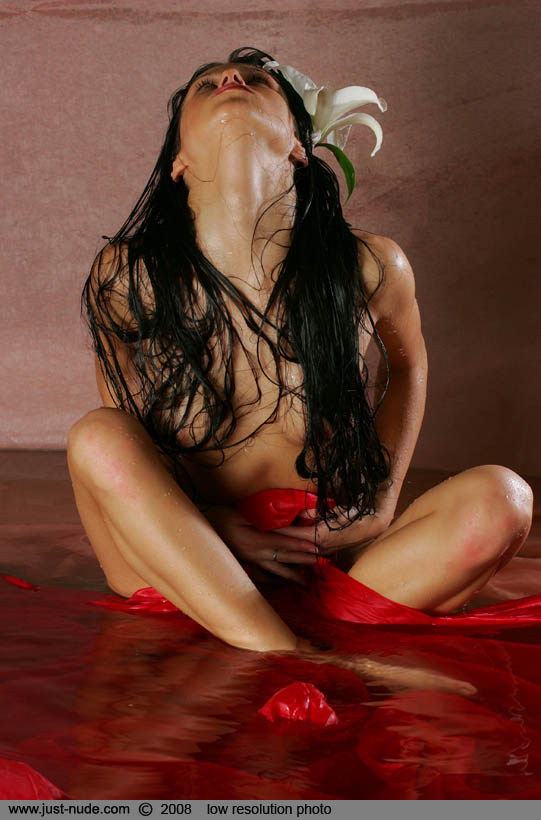 maria-getting-wet-11