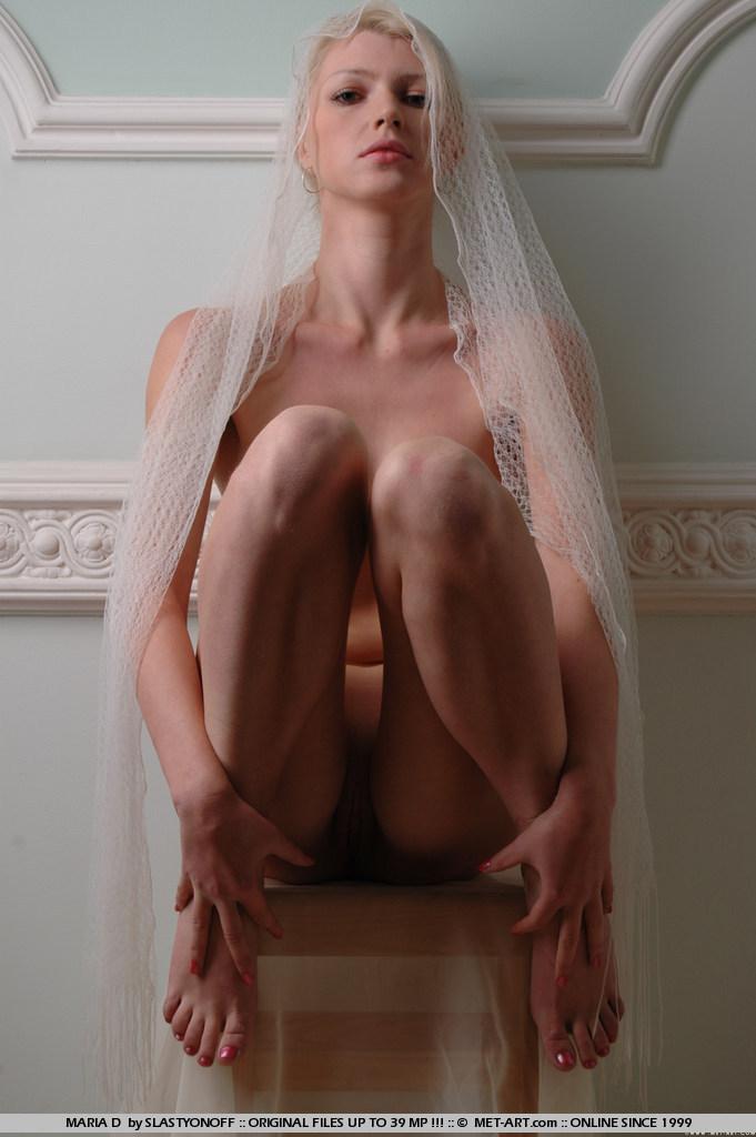 maria-d-blonde-veil-boobs-metart-07