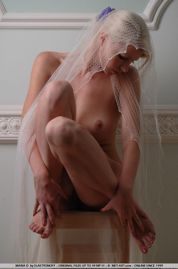 maria-d-blonde-veil-boobs-metart-08