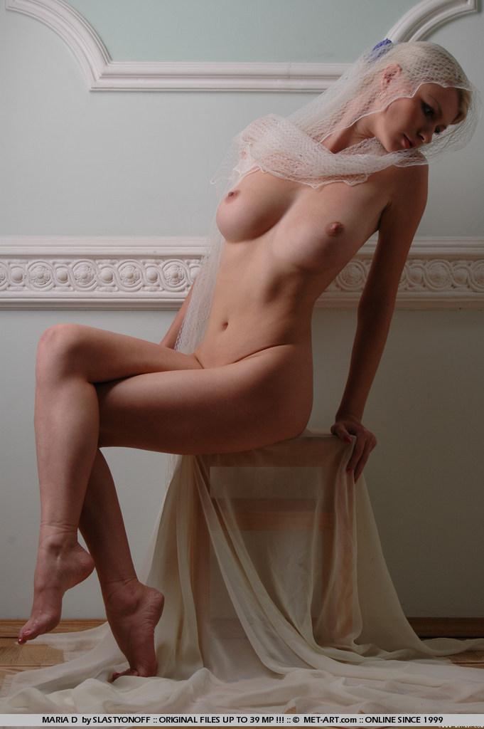 maria-d-blonde-veil-boobs-metart-09
