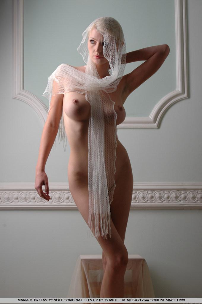maria-d-blonde-veil-boobs-metart-10