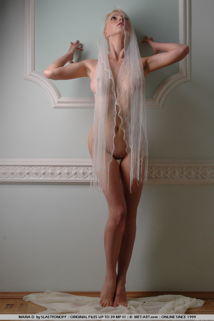 maria-d-blonde-veil-boobs-metart-14