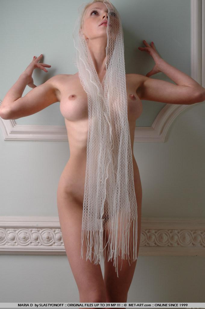 maria-d-blonde-veil-boobs-metart-16