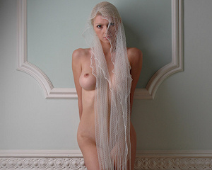 maria-d-blonde-veil-boobs-metart
