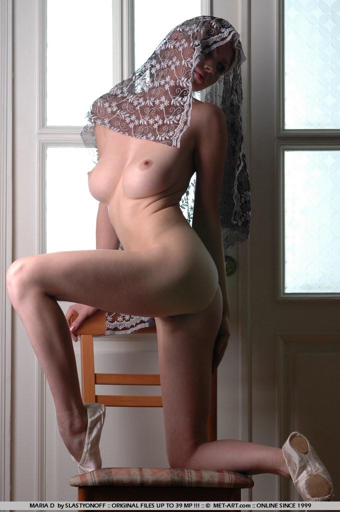 maria-d-blonde-tits-nude-veil-metart-13