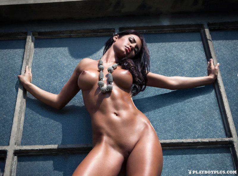 mariana-pinter-naked-hungary-playboy-02