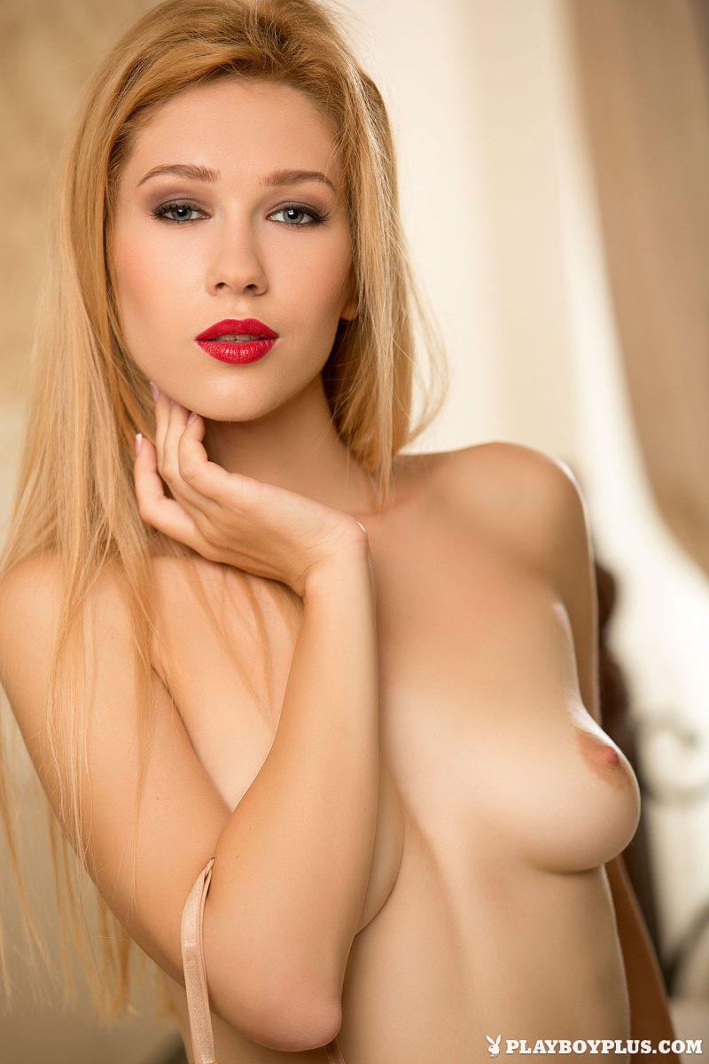 marianna-merkulova-bedroom-nude-playboy-03