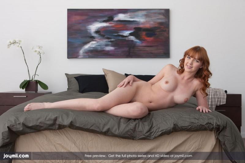 marie-mccray-bedroom-joymii-02