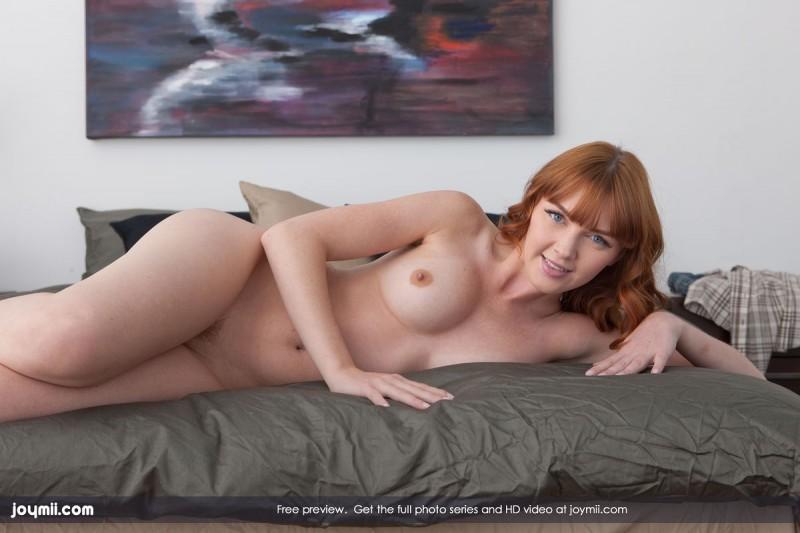marie-mccray-bedroom-joymii-03
