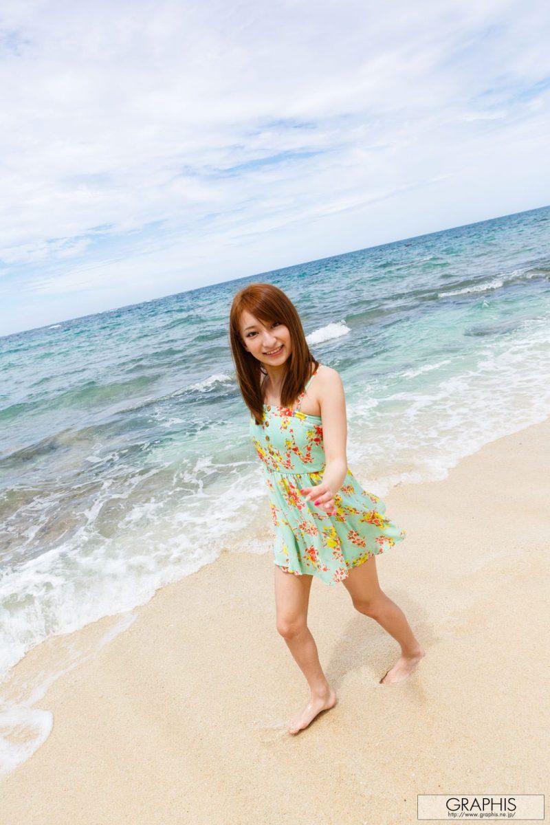 marie-shiraishi-beach-nude-graphis-02