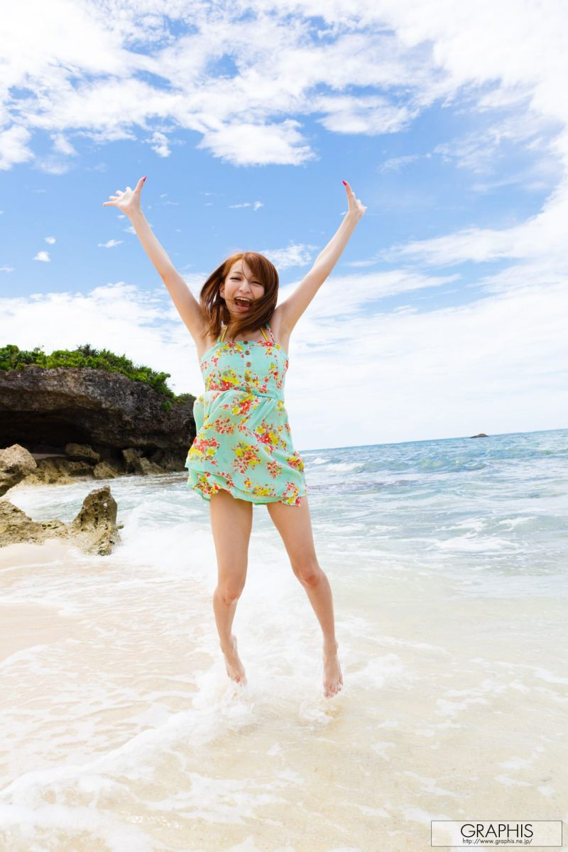 marie-shiraishi-beach-nude-graphis-03