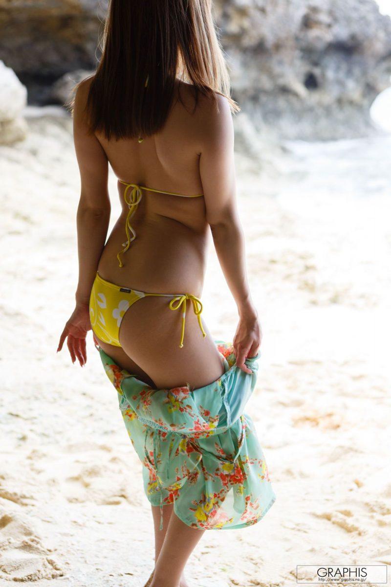 marie-shiraishi-beach-nude-graphis-05