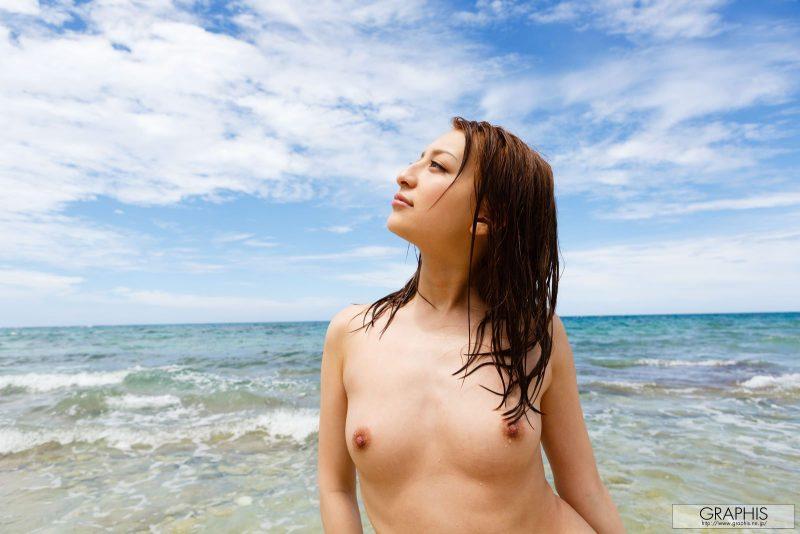 marie-shiraishi-beach-nude-graphis-12