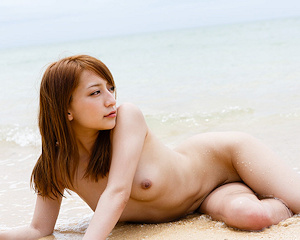 marie-shiraishi-beach-nude-graphis
