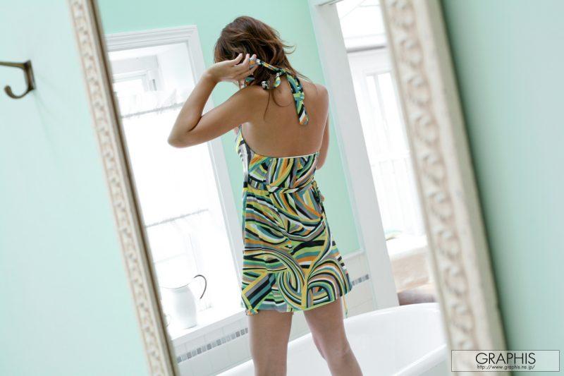 marilyn-nude-bathroom-graphis-03