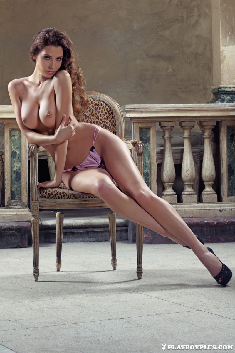 marina-emanuela-nude-italy-playboy-01