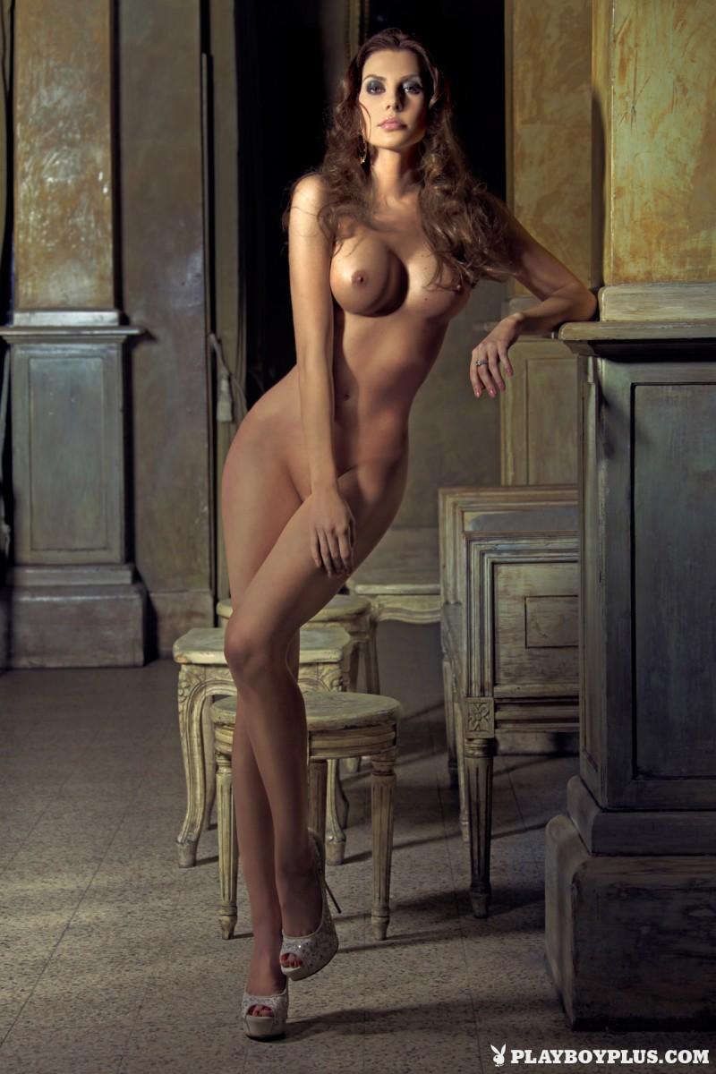 marina-emanuela-nude-italy-playboy-06