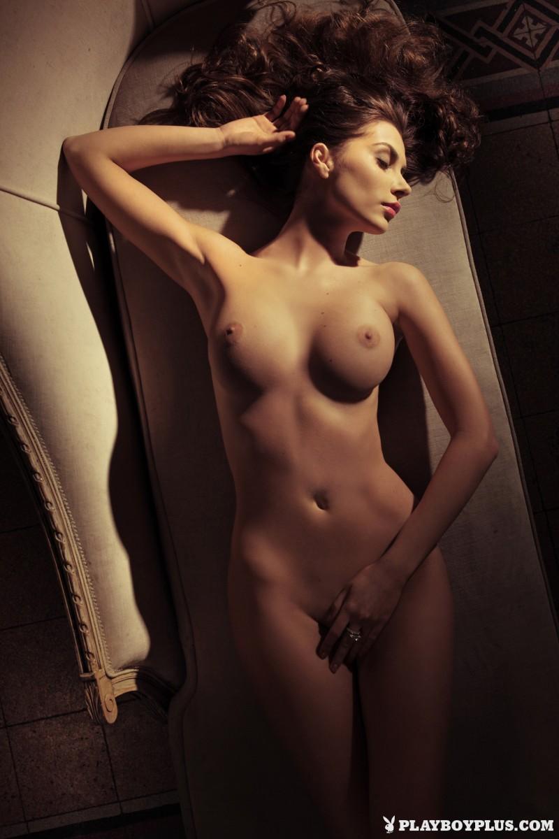 marina-emanuela-nude-italy-playboy-10