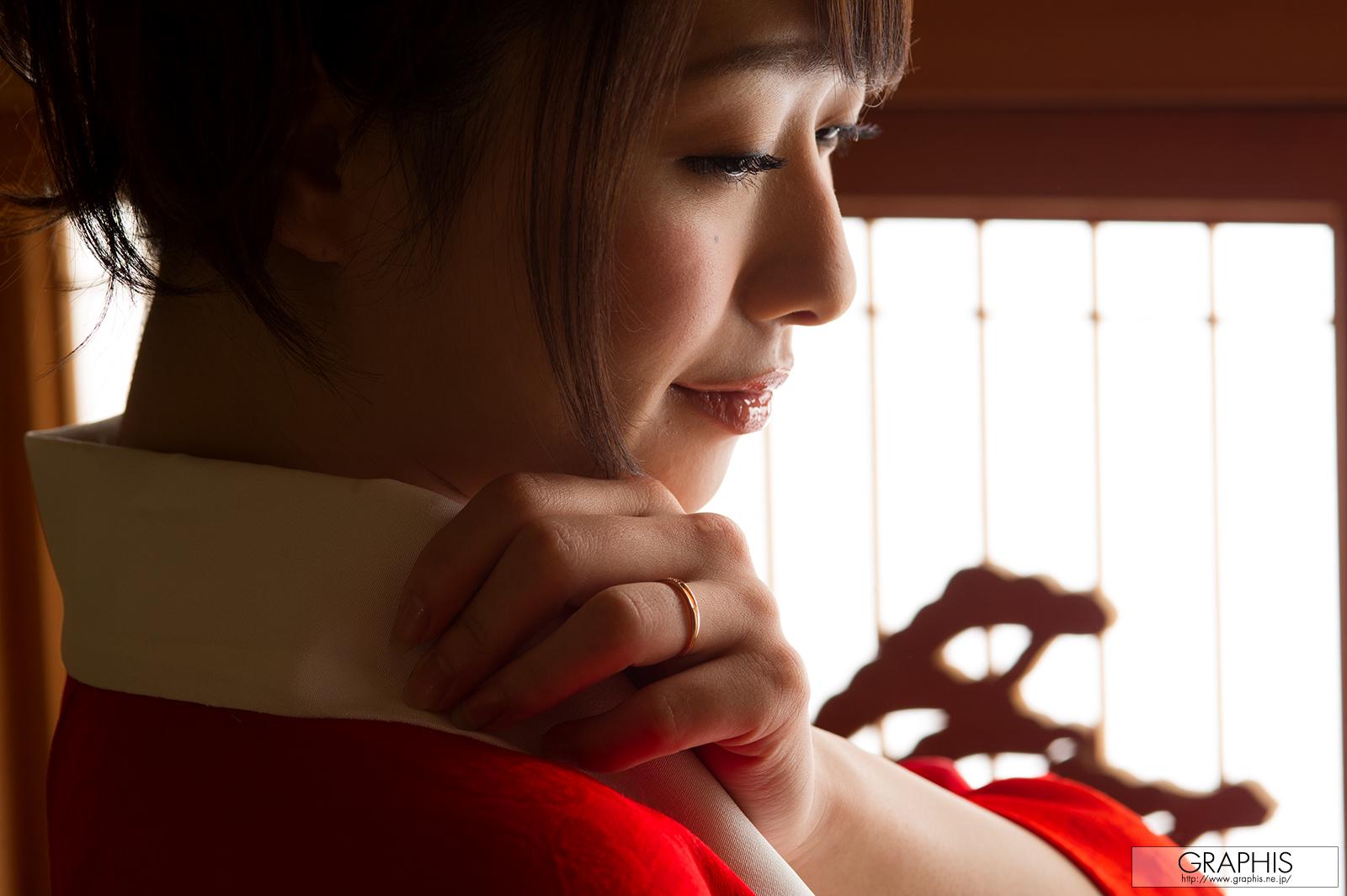 marina-shiraishi-red-kimono-boobs-naked-asian-graphis-03