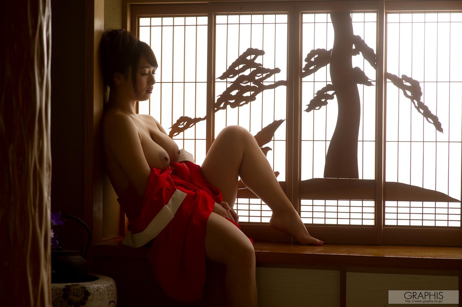 marina-shiraishi-red-kimono-boobs-naked-asian-graphis-18