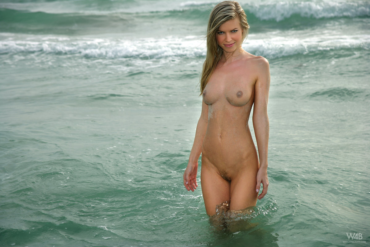 marketa-belonoha-nude-on-beach-seaside-watch4beauty-13