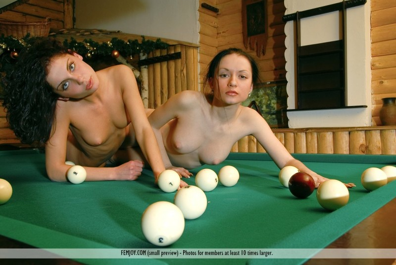 marliece-&-julie-pool-table-femjoy-11
