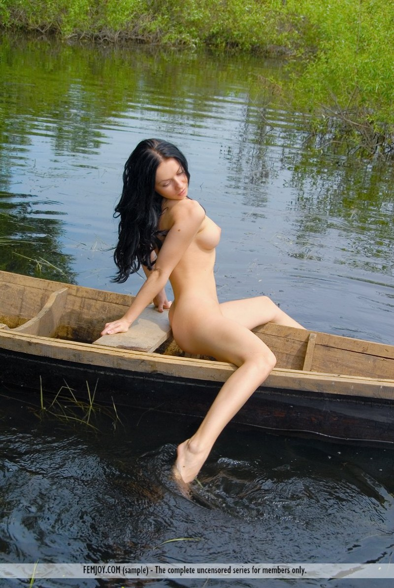 marliece-boat-lake-femjoy-07