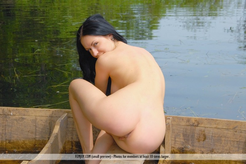 marliece-boat-lake-femjoy-08