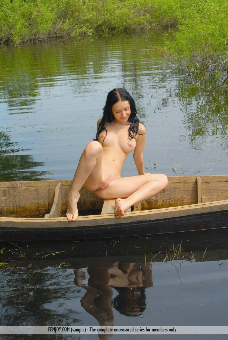 marliece-boat-lake-femjoy-11