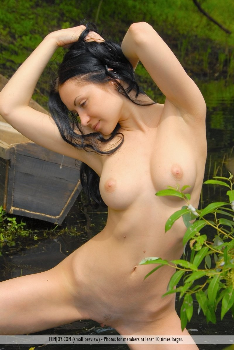 marliece-boat-lake-femjoy-12