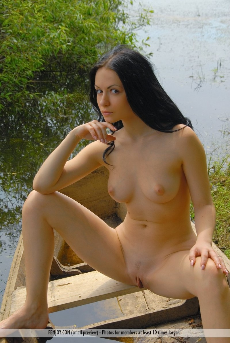 marliece-boat-lake-femjoy-14