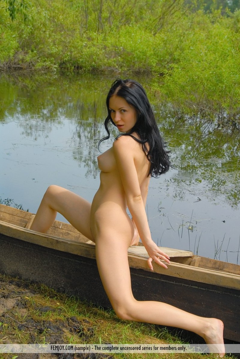 marliece-boat-lake-femjoy-15